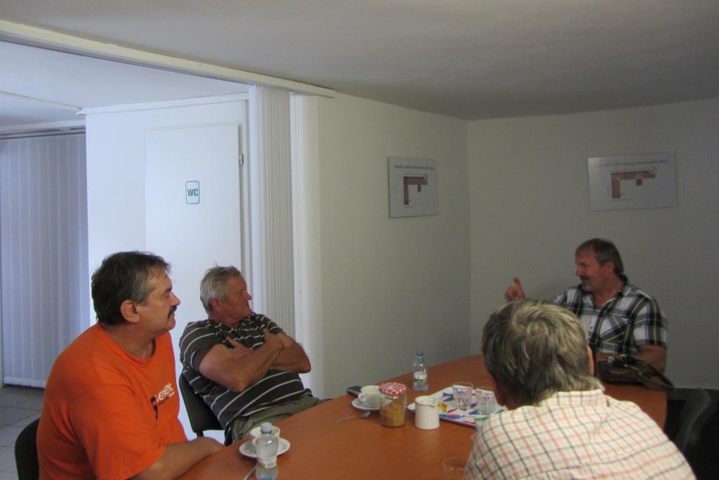 Probíhající školení firem, které poskytuje p. Schwarz na Systém AquaStop Cream.